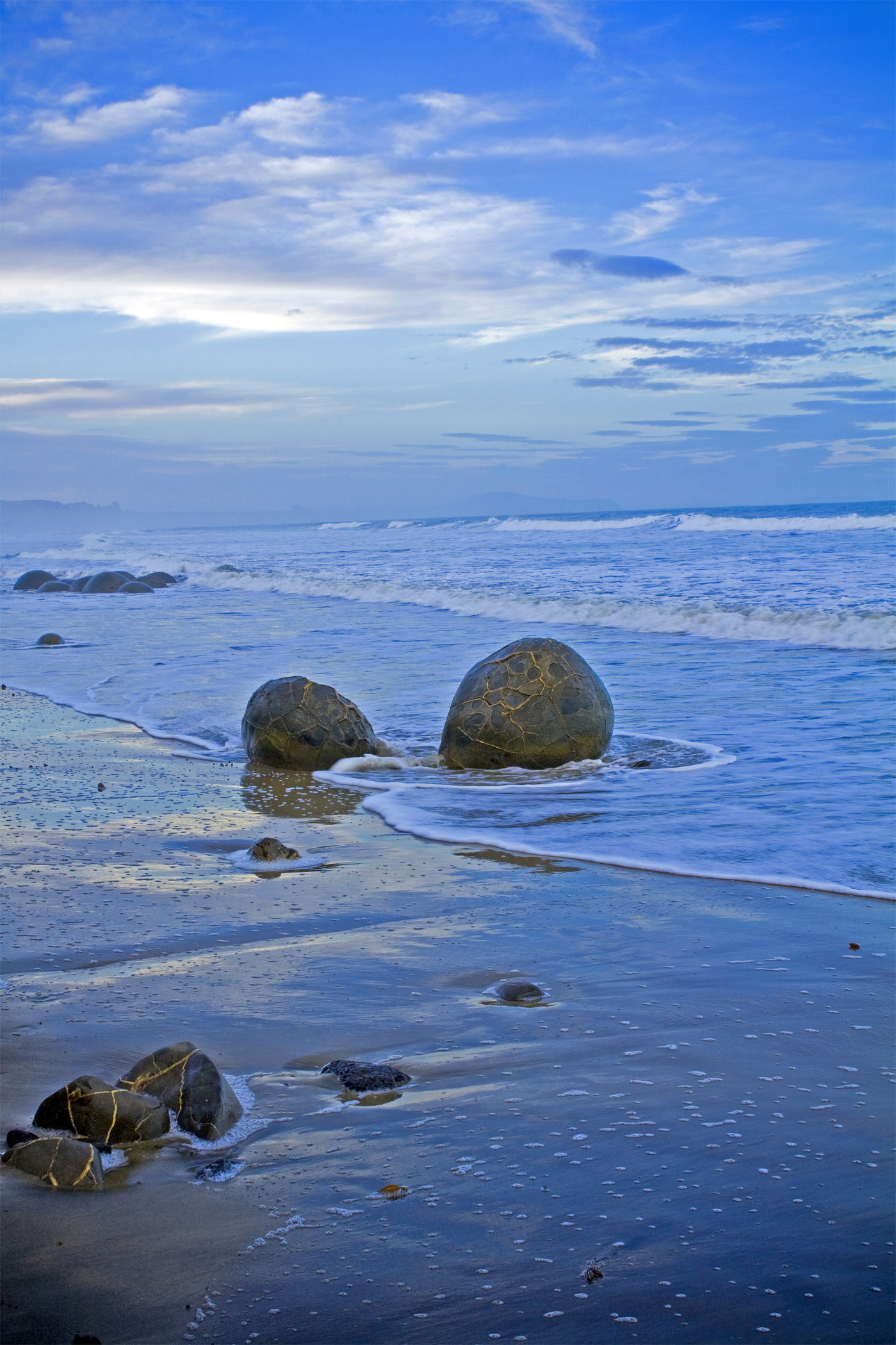 New Zealand Beach Boulders - Blue Theme - Photo 2