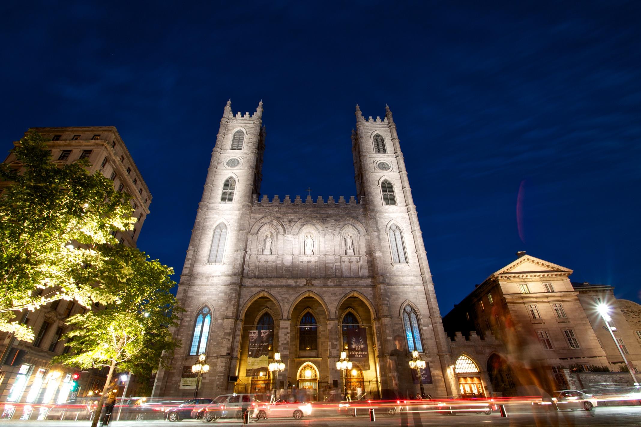 Notre-Dame Basilica, place d'armes, Montreal, Canada - Photo of Notre-Dame Basilica, place d'armes, Montreal