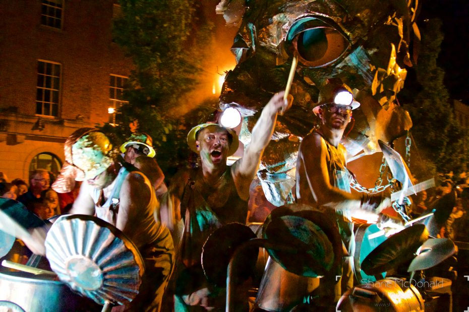 Spraoi Parade - Drummers in the metal factory