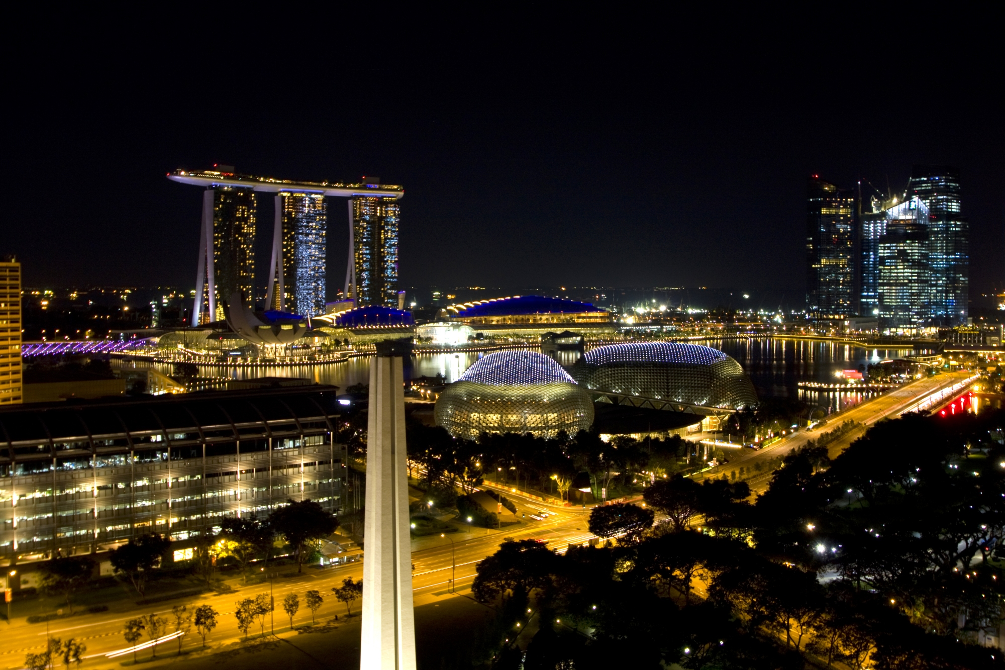 Singapore by Night – Photo of the Week