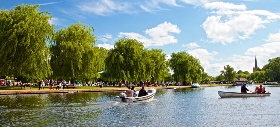 Punting on the Avon on a lazy Sunday afternoon at Stratford Upon Avon, UK