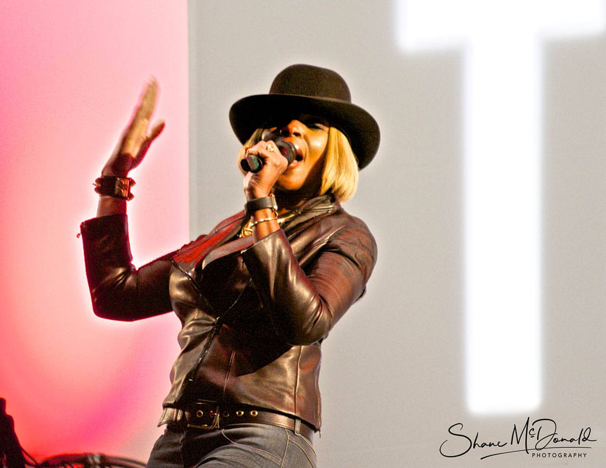 Mary J. Blige at Glastonbury - Event Photography